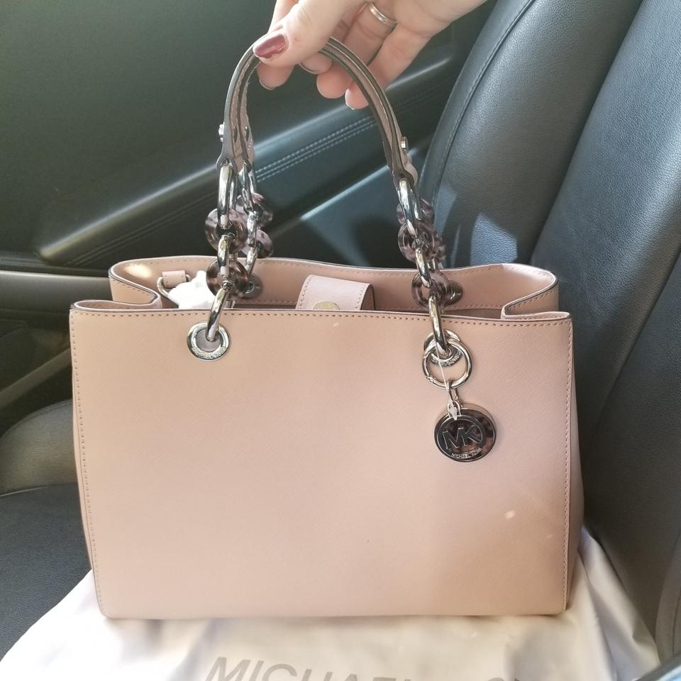 c5dcd1ff58b2 Michael Kors Cynthia Medium Ballerina Color Nude Saffiano Leather ...