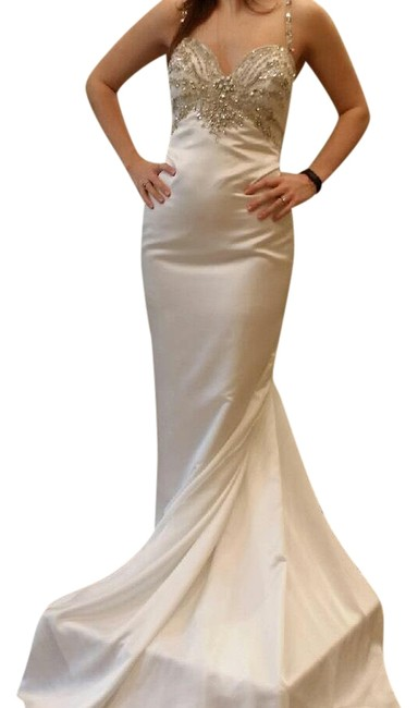 Demetrios Ivory Platinum Long Formal Dress Size 2 (XS) Demetrios Ivory Platinum Long Formal Dress Size 2 (XS) Image 1