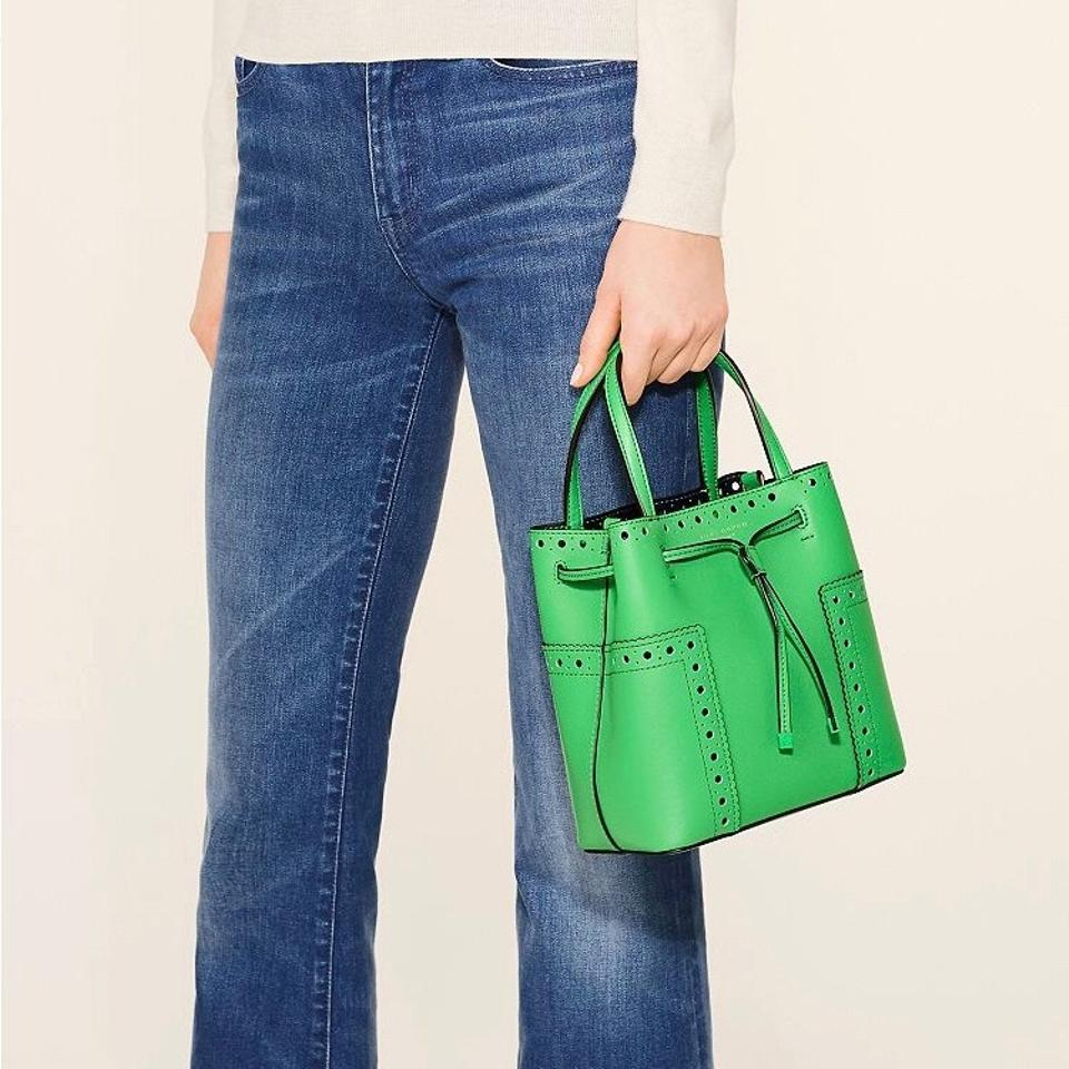 23a12bfd5ae Tory Burch Block-T T Brogue Block Court Drawstring Green   Navy Leather Cross  Body Bag - Tradesy