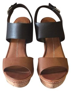 Dolce Vita Tan and Black Wedges