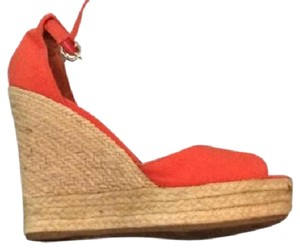 Red ALDO Sandals - Up to 90% off at Tradesy
