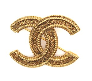 Chanel Rare CC textured gold hardware brooch pin charm