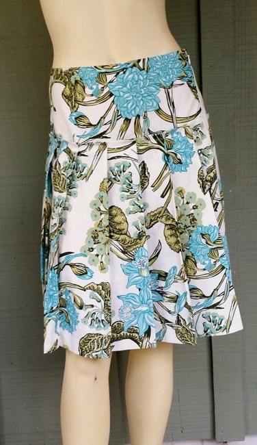 Preload https://item4.tradesy.com/images/ann-taylor-loft-multicolor-new-white-aqua-floral-pleated-cotton-knee-length-skirt-size-0-xs-25-2323163-0-0.jpg?width=400&height=650