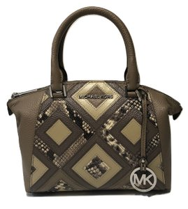 Michael Kors Satchel Shoulder Quilted Leather Holiday Tote in DK Taupe