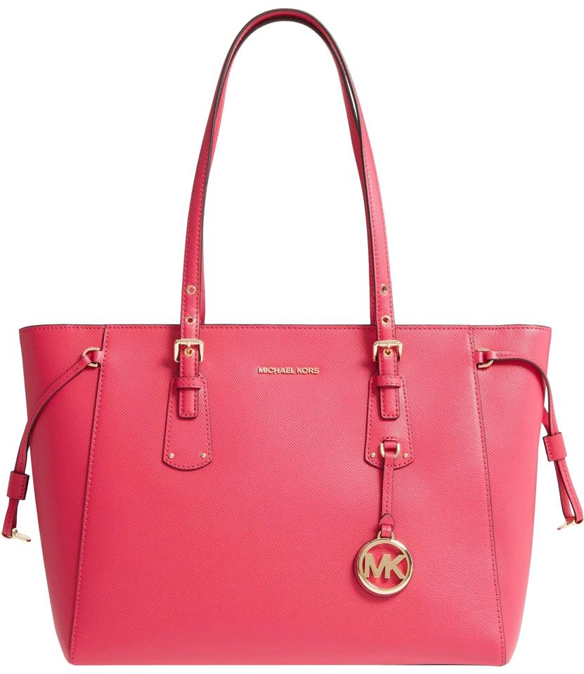 6238eb0b7d61 MICHAEL Michael Kors Voyager Crossgrain Leather Fits Ipad Medium Tote in  Ultra Pink Image 0 ...