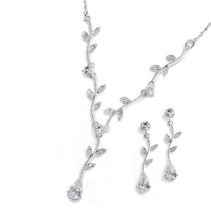 Mariell Silver Crystal Bridesmaid Or Prom Necklace with Vine 580s-cr Jewelry Set