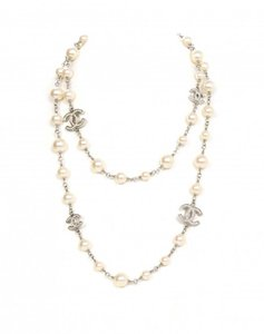 """Chanel Pearl White Silver 5 C Classic Crystal CC Logo 12A 42"""" Necklace A36121"""