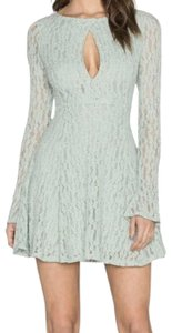 Free People Bold Front Cutout Dramatic Sleeves Fit And Flate Flattering Dress