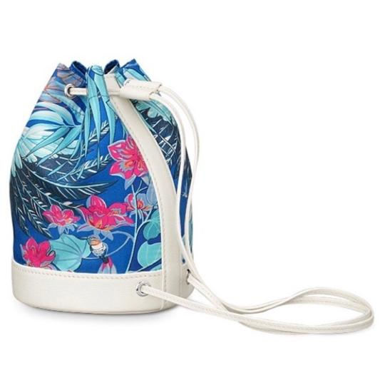 Preload https://img-static.tradesy.com/item/23240425/hermes-soie-cool-mini-bucket-blue-silk-backpack-0-0-540-540.jpg