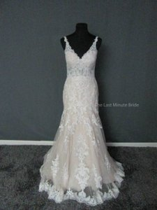 Essense of Australia Ivory/Sable/Porcelain Lace D2387 Feminine Wedding Dress Size 10 (M)