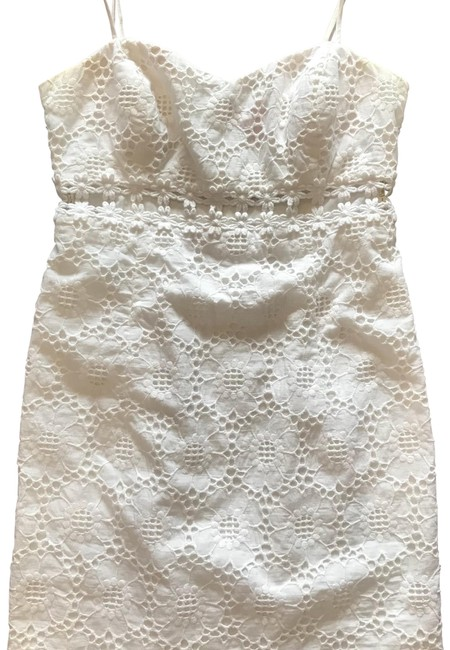 Preload https://img-static.tradesy.com/item/23241756/lilly-pulitzer-white-eyelet-cut-out-short-casual-dress-size-4-s-0-1-650-650.jpg