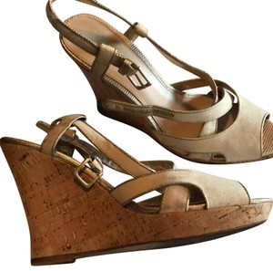 Saks Fifth Avenue off white gold and tan Wedges