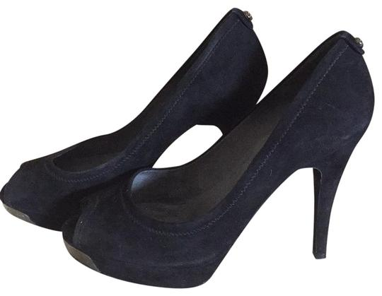 Preload https://img-static.tradesy.com/item/23241862/stuart-weitzman-black-pumps-size-us-85-regular-m-b-0-1-540-540.jpg