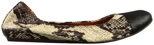 Preload https://img-static.tradesy.com/item/23242011/lanvin-beige-and-black-snake-skin-cap-toe-ballet-flats-size-us-105-regular-m-b-0-1-540-540.jpg