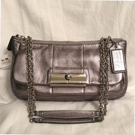 Preload https://item2.tradesy.com/images/coach-new-kristen-willow-16818-gunmetal-silver-leather-shoulder-bag-23242131-0-0.jpg?width=440&height=440