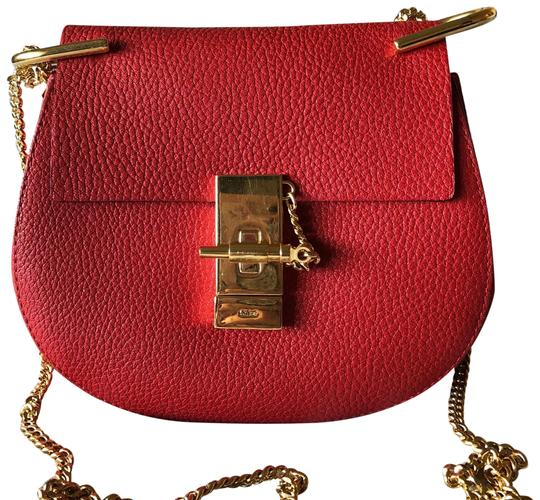 Preload https://item1.tradesy.com/images/chloe-drew-small-red-saddle-leather-cross-body-bag-23242340-0-1.jpg?width=440&height=440
