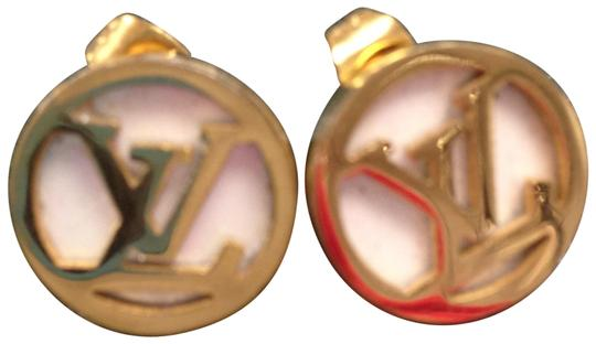 Preload https://item2.tradesy.com/images/gold-mother-of-pearl-earrings-23242686-0-2.jpg?width=440&height=440