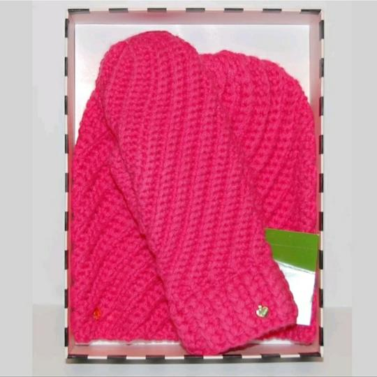 Preload https://img-static.tradesy.com/item/23242724/kate-spade-pink-strawberry-beanie-and-mittens-box-set-hat-0-1-540-540.jpg