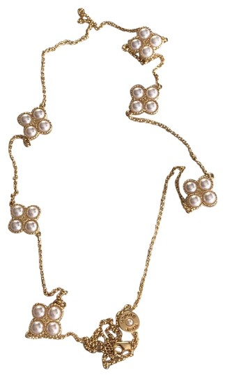 Preload https://img-static.tradesy.com/item/23242805/tory-burch-nwot-faux-pearl-necklace-0-1-540-540.jpg