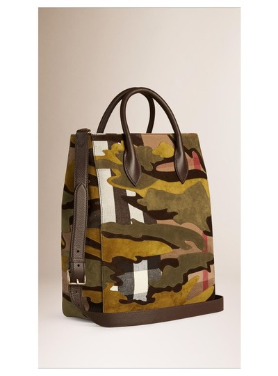 Preload https://img-static.tradesy.com/item/23242847/burberry-prorsum-camo-print-brookdale-carryall-dusty-citrine-canvas-checksuede-tote-0-0-540-540.jpg