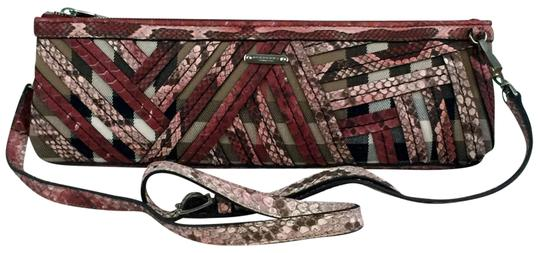 Preload https://img-static.tradesy.com/item/23242899/burberry-prorsum-parmoor-phyton-clutch-classiclipstick-red-canvasleather-cross-body-bag-0-1-540-540.jpg