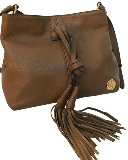 Preload https://img-static.tradesy.com/item/23242902/vince-camuto-with-matching-wallet-brown-leather-cross-body-bag-0-2-540-540.jpg