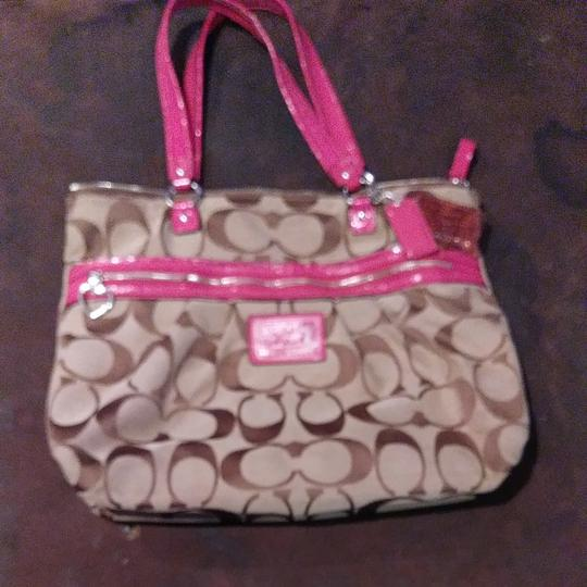 Preload https://item1.tradesy.com/images/coach-purse-brown-and-pink-terry-cloth-tote-23243095-0-0.jpg?width=440&height=440