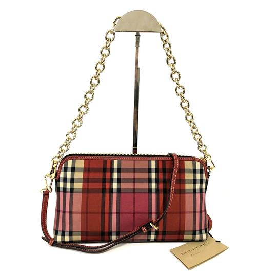 Preload https://img-static.tradesy.com/item/23243271/burberry-horseferry-check-colour-block-small-abingdon-parade-red-canvasleather-trim-clutch-0-0-540-540.jpg