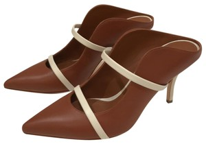 Malone Souliers coca brown with light cream strap and heel Pumps
