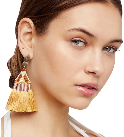 Preload https://img-static.tradesy.com/item/23243446/free-people-maricopa-beaded-earrings-0-1-540-540.jpg