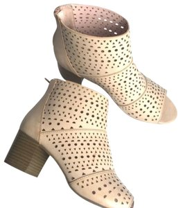 Rampage Cream Boots
