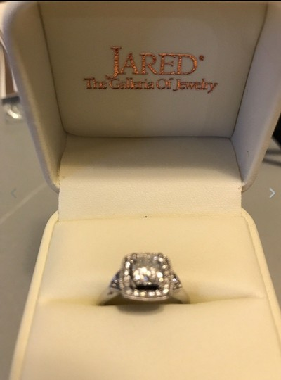 Preload https://img-static.tradesy.com/item/23243627/jared-near-colorless-118cts-engagement-ring-0-0-540-540.jpg