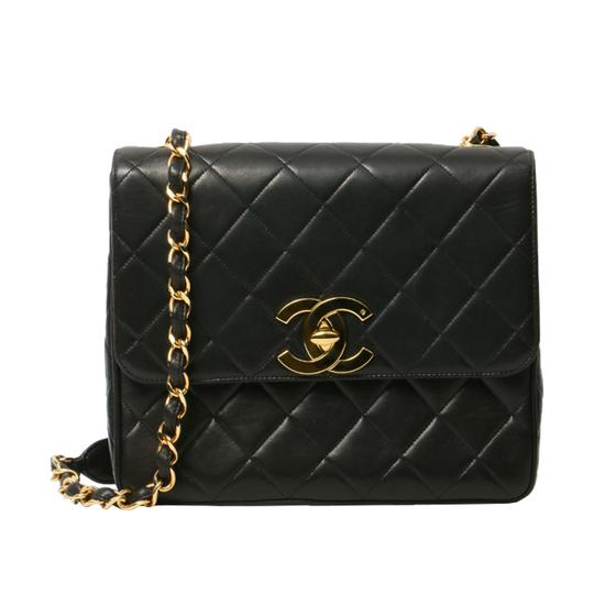 Preload https://img-static.tradesy.com/item/23243809/chanel-classic-vintage-quilted-medium-single-flap-black-lambskin-leather-shoulder-bag-0-0-540-540.jpg