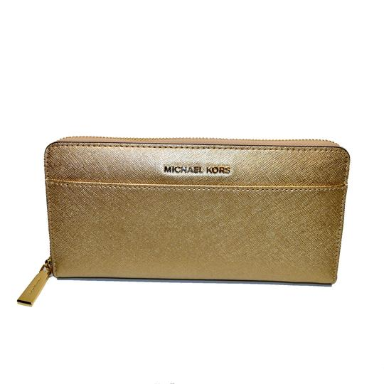 Preload https://img-static.tradesy.com/item/23244259/michael-kors-pale-gold-money-pieces-pocket-zip-around-emb-leather-wallet-0-0-540-540.jpg