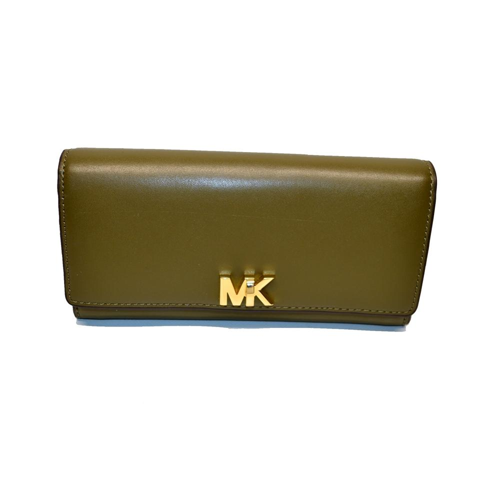 66cdc4990b4e Michael Kors Olive Carryall Clutch Mott Large Leather Wallet - Tradesy