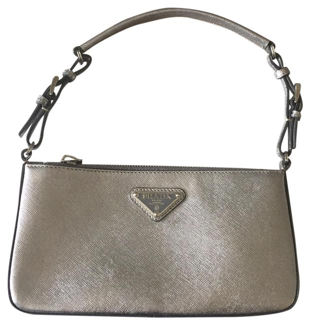 Item - Thatched Silver Saffiano Leather Baguette