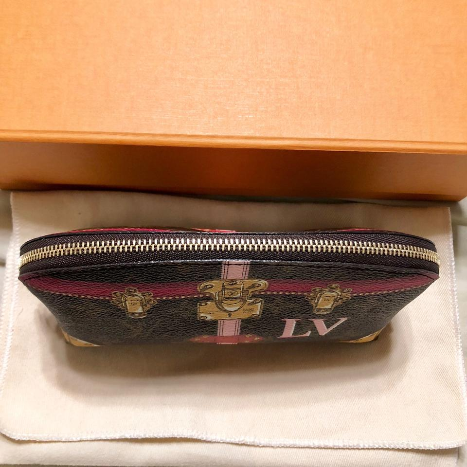 889146d2ac9c Louis Vuitton Limited Edition Trunks Cosmetic Pouch PM Image 7. 12345678