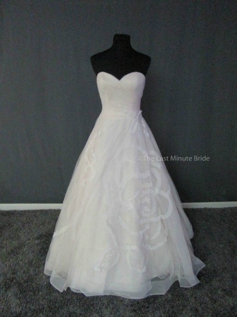 Item - Sand/Ivory Tulle 3910 Feminine Wedding Dress Size 8 (M)