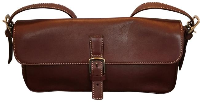 Item - With Magnetic Closure Maroon Leather Baguette