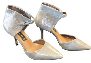 Steven by Steve Madden Nadene Pointed Toe Metalic Ankle Strap Light pewter(Silver/Grey) Pumps