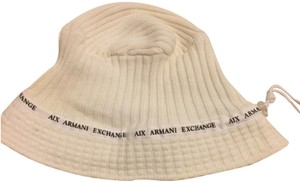 A|X Armani Exchange creme hat