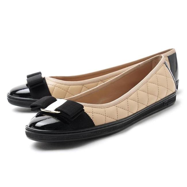Item - Beige/Black/Gold Bow Quilted Sneaker Flats Size EU 36.5 (Approx. US 6.5) Regular (M, B)