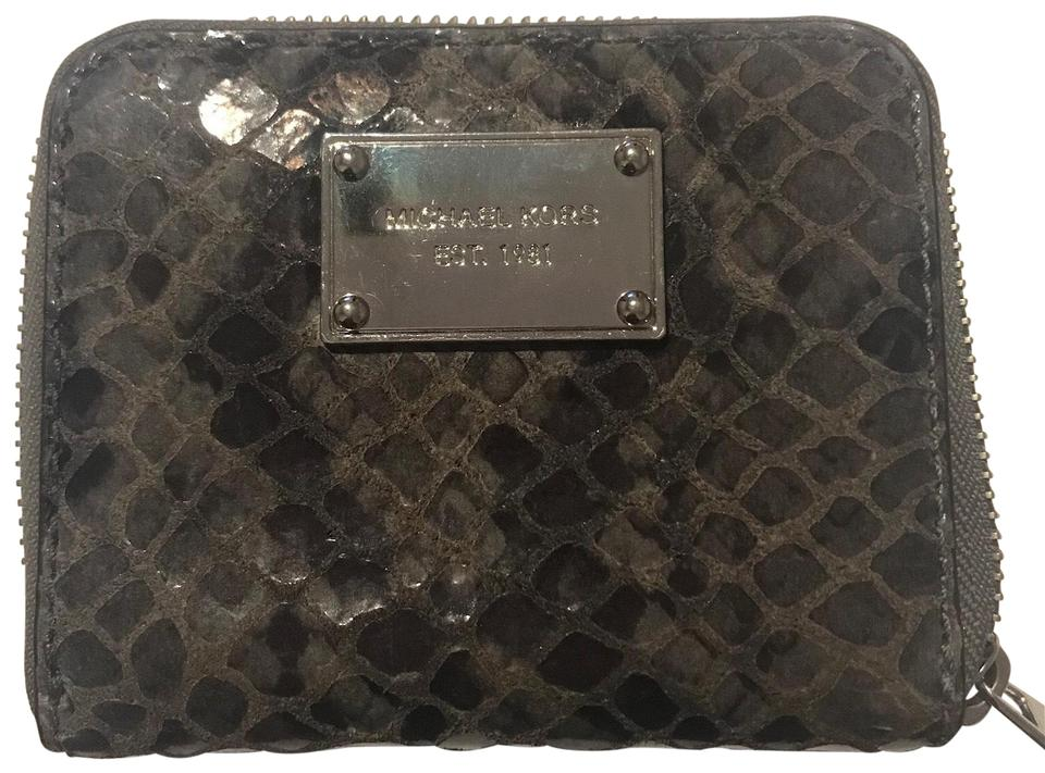 5225e99b44b7 Michael Kors Grey & Black Snakeskin Jet Set Zip Around Bifold In Python  Snake Wallet