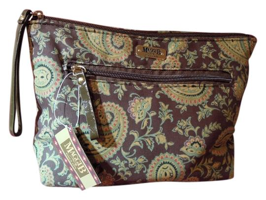 Preload https://img-static.tradesy.com/item/2325415/maggie-b-french-country-cosmetic-spice-paisley-weekendtravel-bag-0-0-540-540.jpg