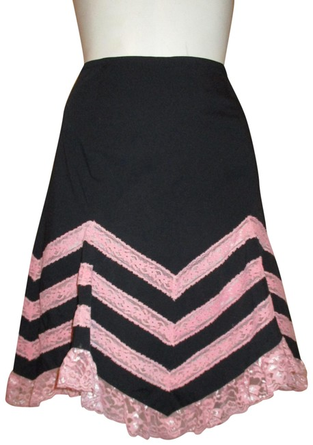 Item - Black & Pink Asymmetric Lace Trim Skirt Size 4 (S, 27)