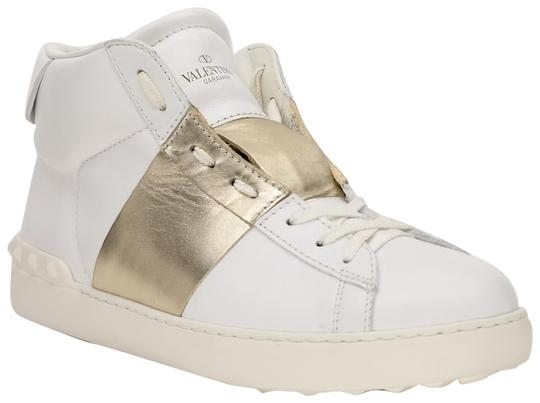 Preload https://img-static.tradesy.com/item/23255312/valentino-white-men-s-rockstud-open-high-top-sneakers-size-us-95-regular-m-b-0-1-540-540.jpg