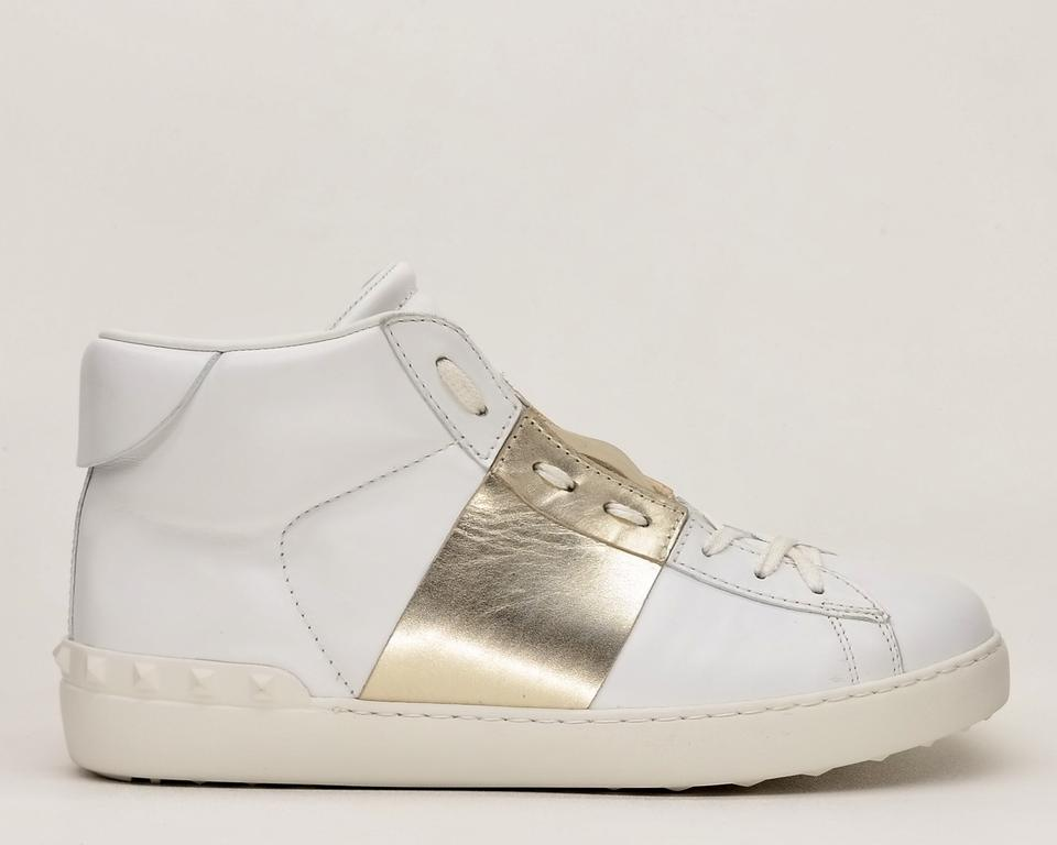 24fff18023fd Valentino White Men s Rockstud Open High Top Sneakers Size US 9.5 Regular  (M