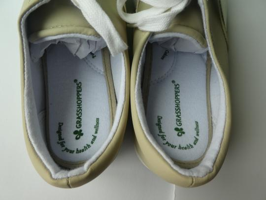 Grasshoppers Embroidered Slip On beige Flats