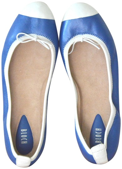 Preload https://img-static.tradesy.com/item/23256447/bloch-blue-symphony-white-leather-ballet-38us-7-new-flats-size-eu-38-approx-us-8-regular-m-b-0-1-540-540.jpg