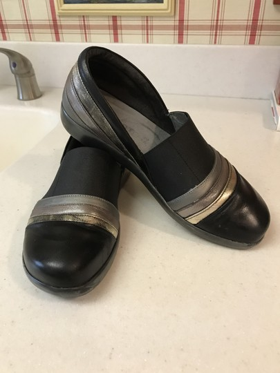 Naot Slip-on Leather 6 Black and Metallic Flats